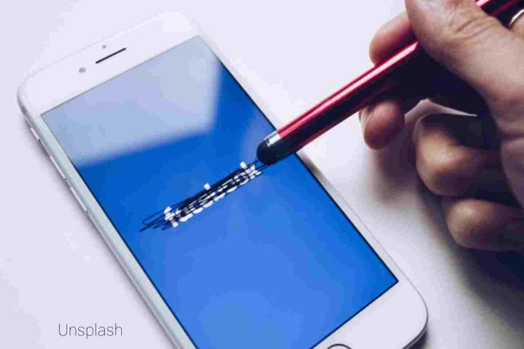 Klarifikasi Kebijakan Privasi WhatsApp, Facebook Beriklan Di Media Cetak